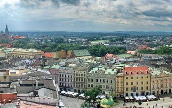 Na co zwrócić uwagę wypożyczając samochód z wypożyczalni w Krakowie?