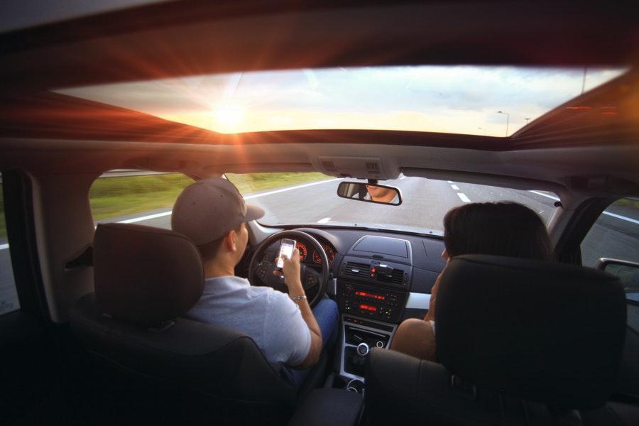 akcesoria samochodowe niezbędne podczas jazdy