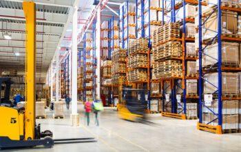 Jakie funkcje pełni logistyk magazynowa?
